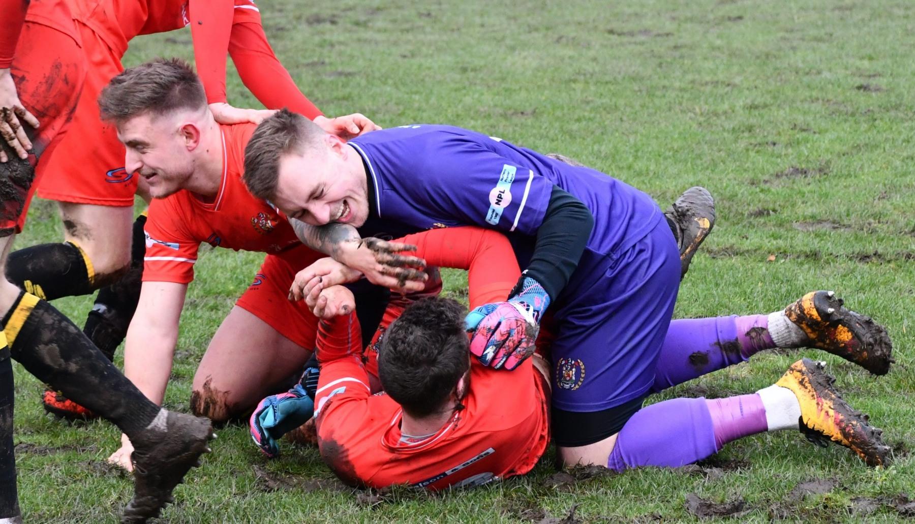 Kendal-Town-v-Workington-Reds-Ben-Challis-15-scaled