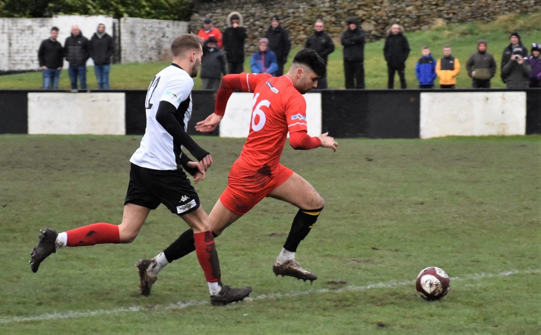Kendal-Town-v-Workington-Reds-Ben-Challis-16-scaled