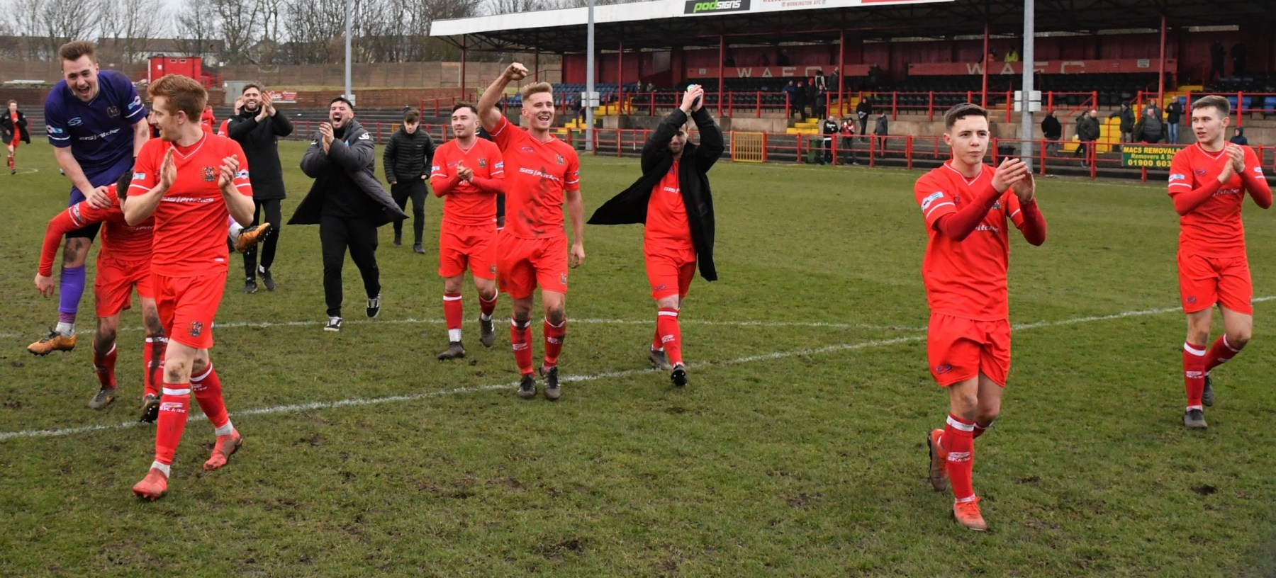 The-Reds-thank-their-supporters-after-the-win-over-Brighouse-Ben-Challis-scaled